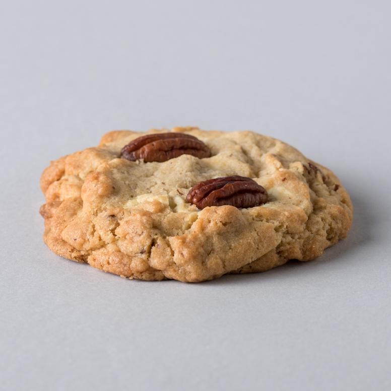 עוגיית מונסטר שוקולד-צ'יפס אגוזים